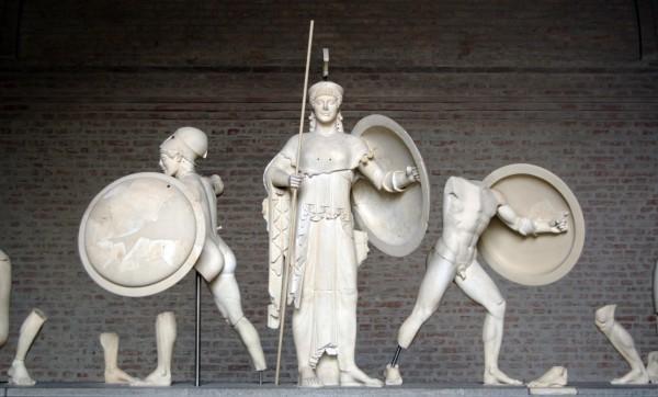 Скульптурная группа из храма Афайи в Мюнхенской глиптотеке
