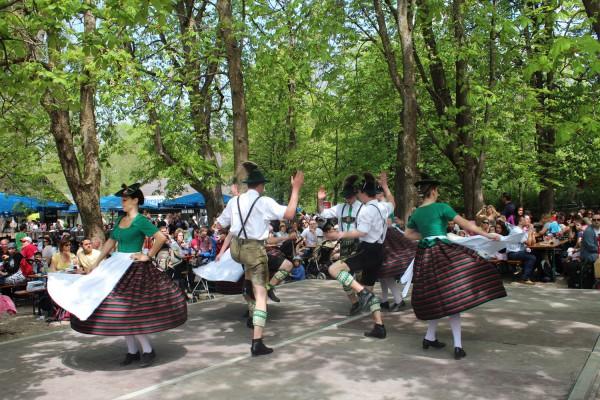 В зоопарке Мюнхена Хеллабрунн проводятся веселые праздники
