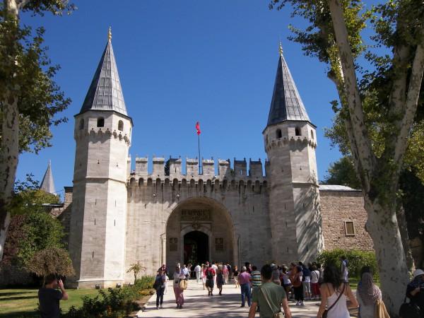 Вход во Дворец Топкапы в Стамбуле