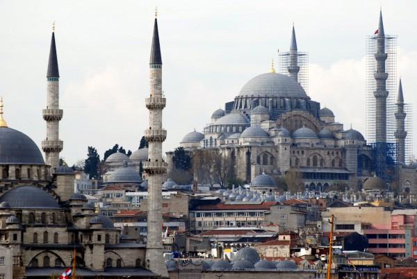 Гармония в турецком стиле мечети Сулеймание в Стамбуле