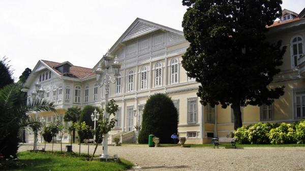 Павильон Шале дворца Йылдыз в Стамбуле