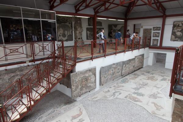 Зал музея мозаик в Стамбуле