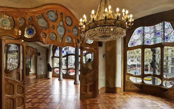 Внутреннее изящество Дома Бальо в Барселоне