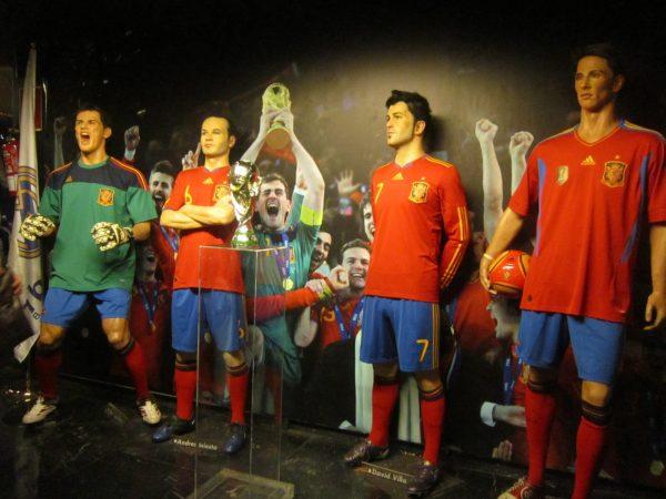 Футбольный клуб Реал в музее восковых фигур в Мадриде