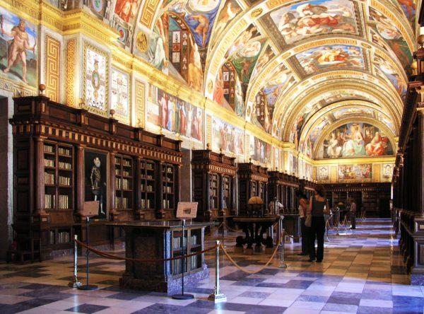 Роскошь Дворца Эскориал Филиппа II в Мадриде