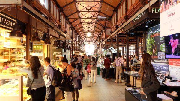 Ряды рынка Сан-Мигель в Мадриде