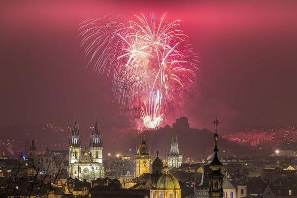 Дешевые авиабилеты и отели в Европе на новогодние праздники