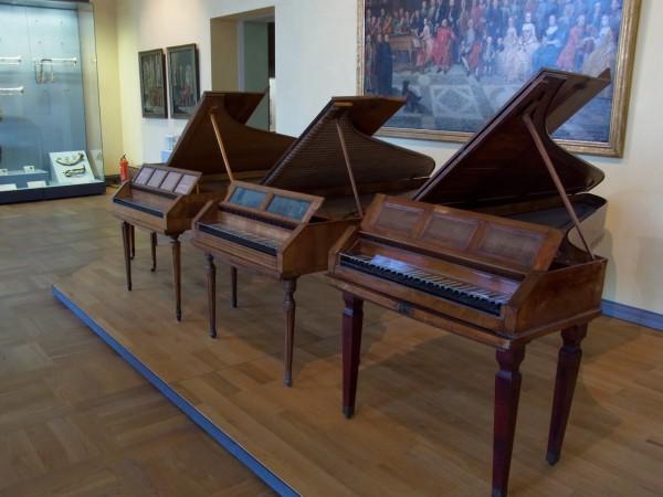 Музыкальные инструменты в Баварском национальном музее в Мюнхене
