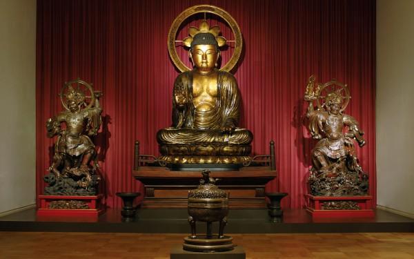 Статуя Будды в разделе Востока в Музей пяти континентов в Мюнхене