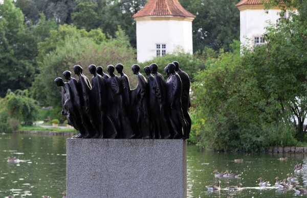 Мемориал узников концлагеря Дахау на территории Блютенбурга