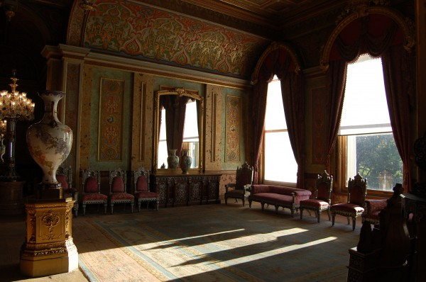 Внутренние комнаты Дворца Бейлербейи в Стамбуле