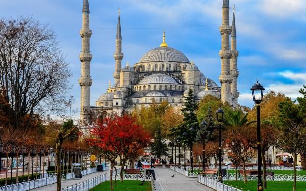 Голубая Мечеть в Стамбуле осенью