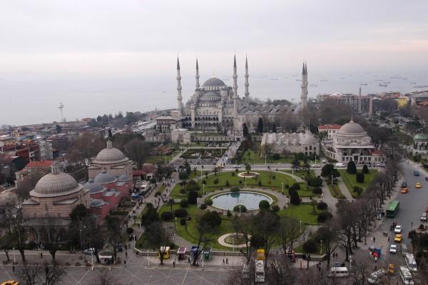 Вид на Площадь Султанахмет в Стамбуле с высоты птичьего полета