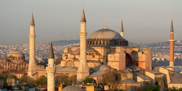 Собор Святой Софии в Стамбуле на закате