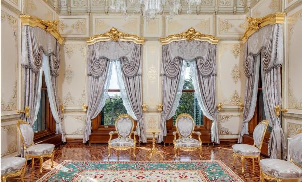 Роскошь обстановки дворца Йылдыз в Стамбуле
