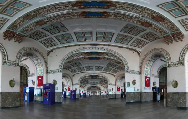 Внутренняя отделка Вокзала Хайдарпаша в Стамбуле
