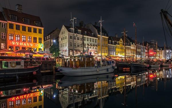 Ночная подсветка гавани в Копенгагене