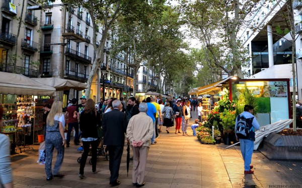 вечер на Рамблас в Барселоне