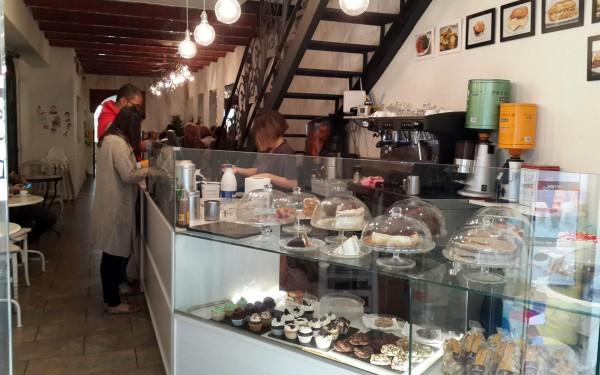 Завтрак в Пекарне Гауди в Барселоне