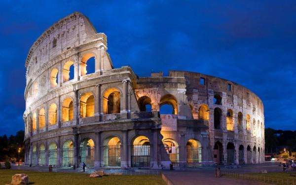 Римский Колизей с подсветкой