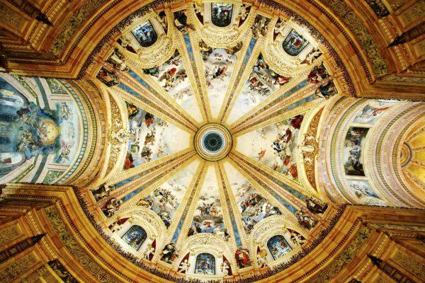 Купол Базилики Святого Франциска в Мадриде