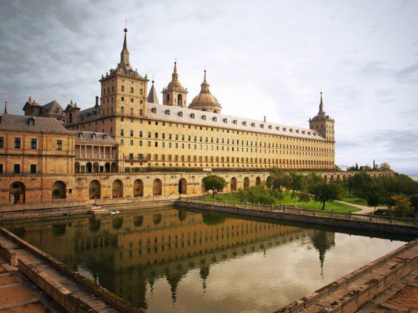 Дворец Эскориал Филиппа II в Мадриде