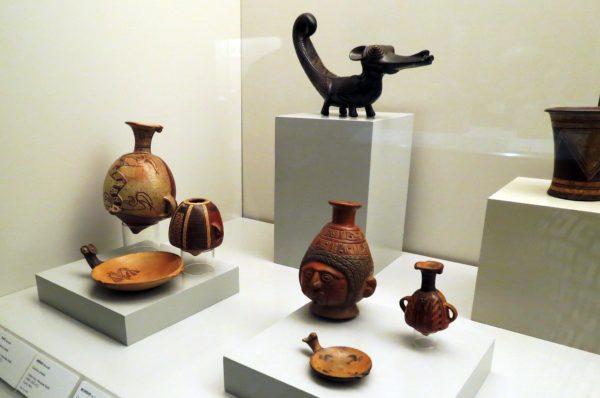 Экспонаты музея Америки в Мадриде